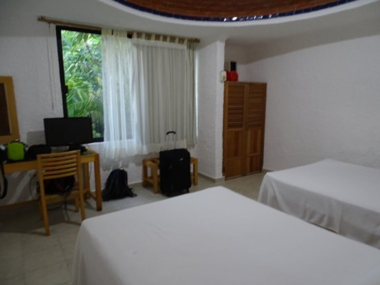 Sotavento Hotel & Yacht Club: simple and spacious room