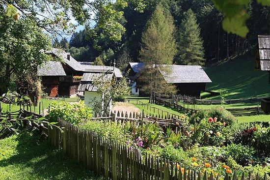 Estiria, Austria: Bauern- und Kräutergärten asl wichtiger Teil der Hofes von einst