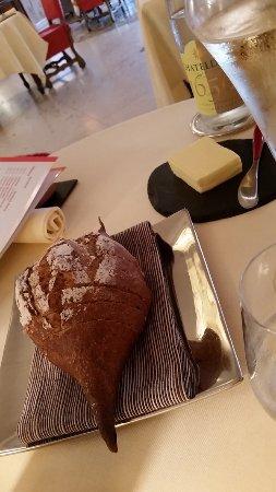 Dampierre-en-Yvelines, Frankrig: La Table des Blot, même le pain est soigné !
