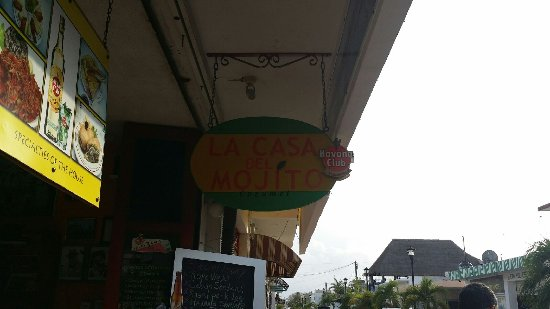 El Casino - La Casa Del Mojito: Sign from the street. Not a great pic, I know.
