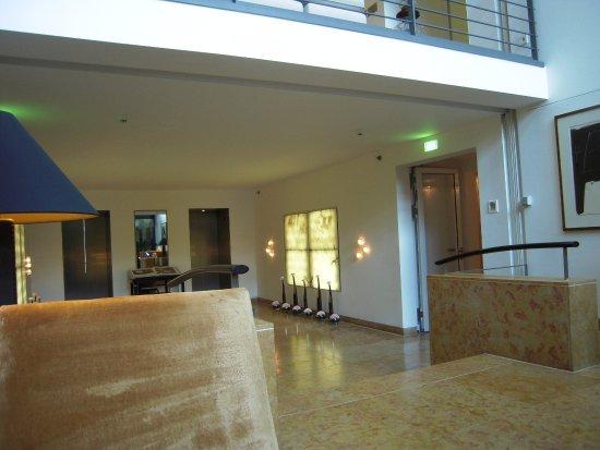 The Mandala Hotel: corridoi