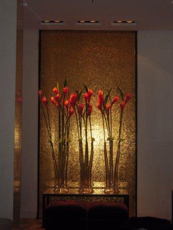The Mandala Hotel: Dettagli