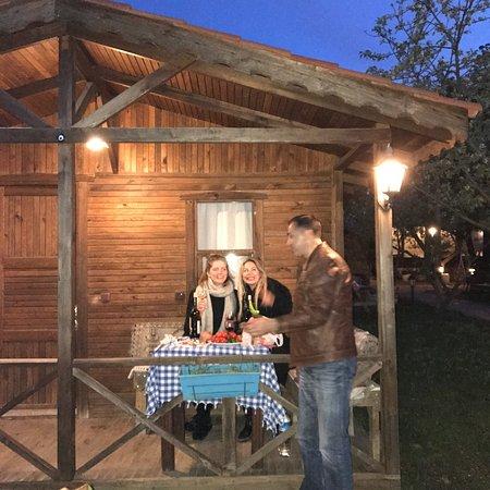 Salkim Village : Doğa içinde,acayip huzurlu,keyifli bir yer..kapıda tavşanlar,ördekler,köpekleri Hera karşılıyor