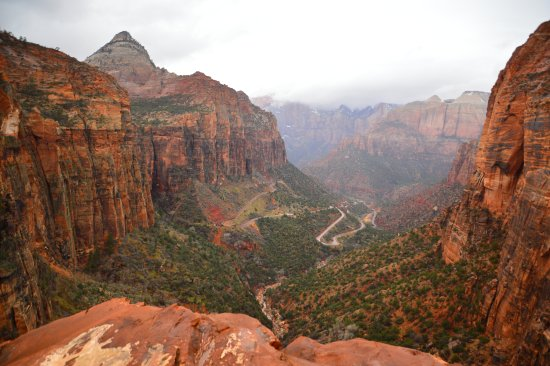 Zion Canyon Scenic Drive: Canyon overlook