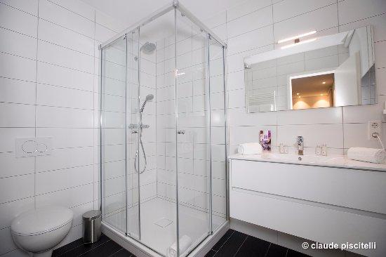 Salle de bain chambre - Bild von Hotel-Restaurant De Klenge Casino ...