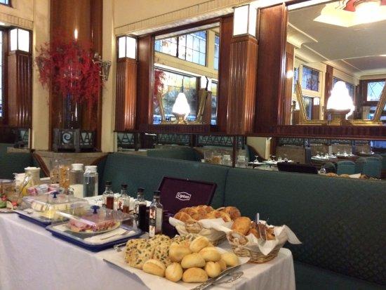 Esperance: petit déjeuner dans le lobby