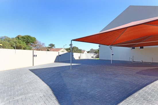Melkbosstrand, แอฟริกาใต้: Free onsite parking