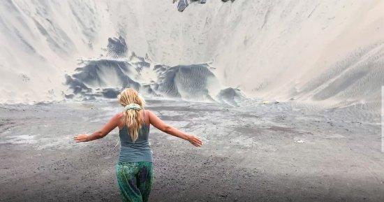 Sigatoka Sand Dunes National Park: getting ready to climb