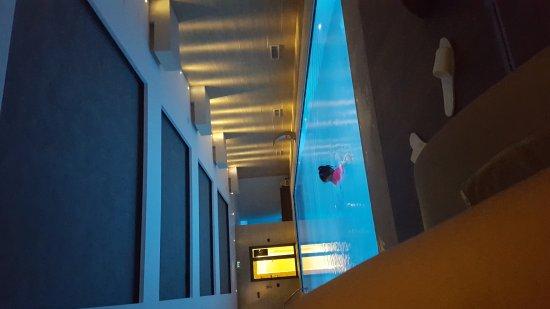 Kronwell Hotel: IMG-20170409-WA0004_large.jpg