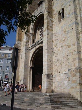 Photo of Church Igreja de Santa Maria Maior de Lisboa at Largo Da Sé, Lisbon 1100-585, Portugal
