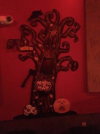 South Burlington, VT: Cool tree inside the Magic Hat tour theater