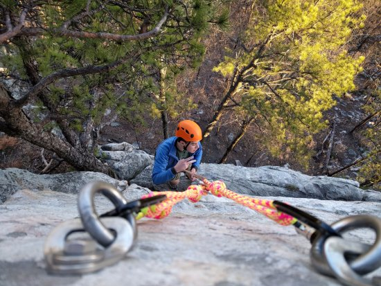 Pinnacle, Carolina del Norte: Climbing allowed, with proper gear