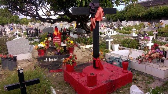 Saint-Pierre, Reunión: Si vous visitez le cimetiere se Saint Pierre ,allez voir la tombe de Sitarane