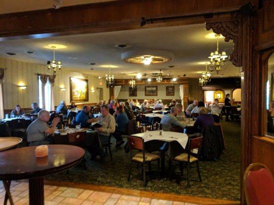 Cheektowaga, NY: dining area