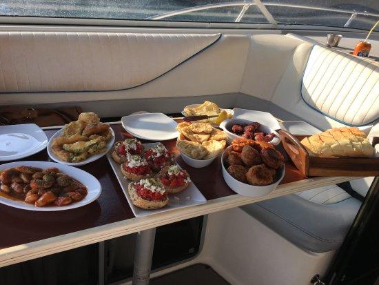 Alex Private Boat Rental: delicious food