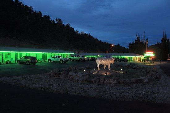 Arrowhead Motel and RV Park