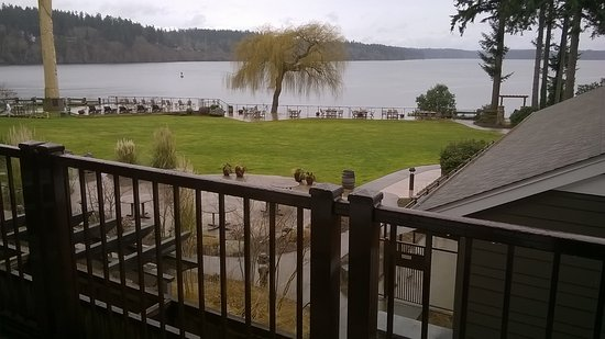 Suquamish, Ουάσιγκτον: The view outside our room