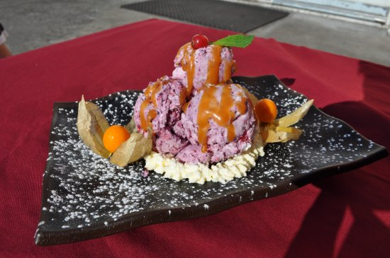 Blonduos, Island: Homemade ice-cream from  silky and dense with fresh fruits Choose vanilla, chocolate or forest b