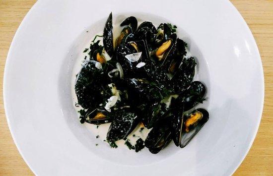 Polzeath, UK: rattler cider porthilly mussels