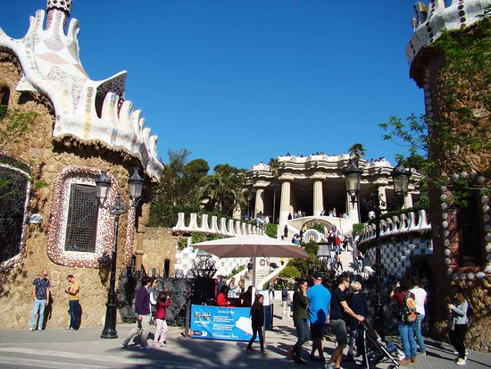 Entrance to Park Guell Barcelona - Picture of Barcelona ...
