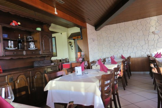 Salle manger photo de restaurant la coccinelle for Restaurant salle a manger tunis