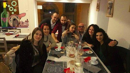 Castiglion Fiorentino, Italia: commensali felici