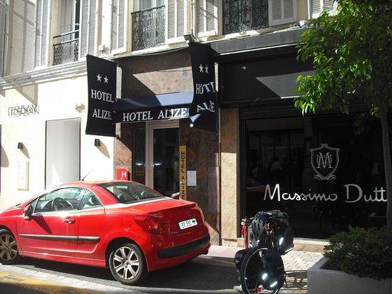 Hotel Alize Cannes: Entrée de l'hôtel