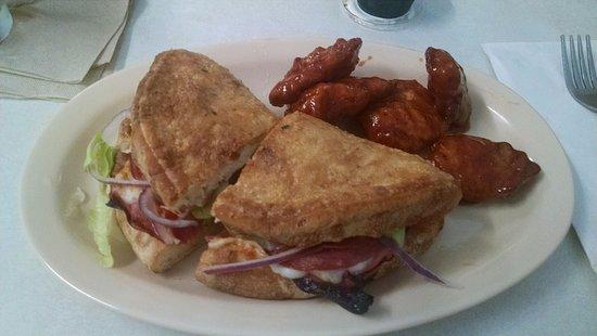 Seneca, SC: 1/2 Italian Wedgie Sandwich & 4 boneless wings