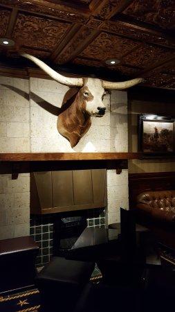 The Driskill: Bar