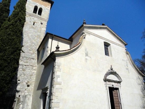 San Daniele del Friuli, Italien: LA FACCIATA SETTECENTESCA E LA TORRE CAMPANARIA (GIA' TORRE CASTELLANA)