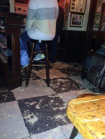 Athlone, Ireland: Sawdust on the floor
