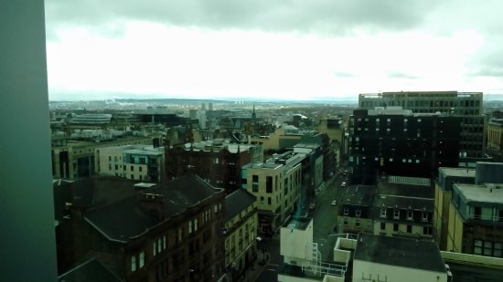 Premier Inn Glasgow City Centre Buchanan Galleries Hotel : View from our room Floor Ten