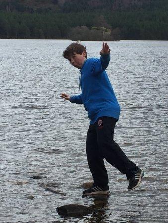 Aviemore, UK: Having fun on the rocks