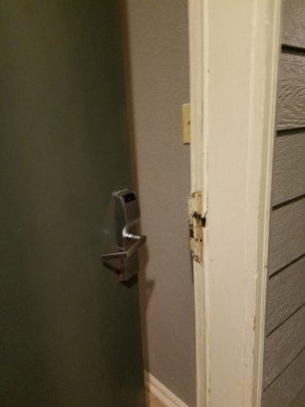 Athens, GA: broken lock