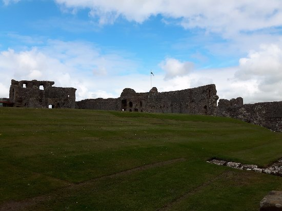 Denbigh, UK: The more significant section of the castle