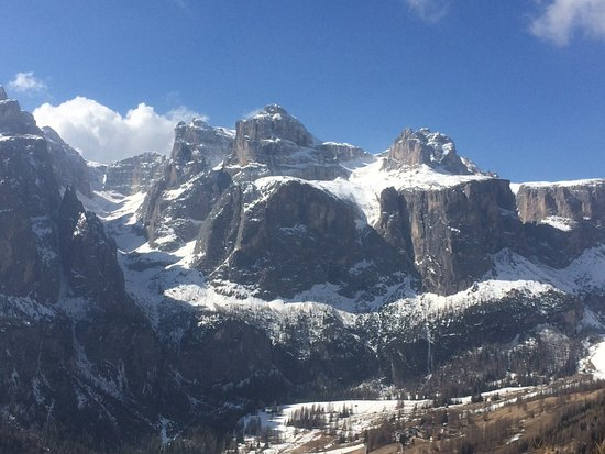 Hotel Linder : The fabulous Dolomites can be viewed from your window or balcony.
