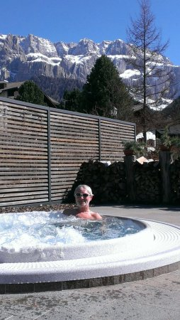 Hotel Linder : The outdoor Spa at the Nives . Free access to Linder guests.