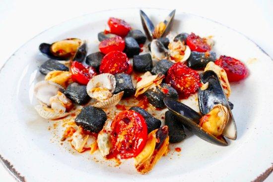 Diogo & Lizzie of Dili Gastronomy