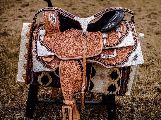 Tioga, TX: Custom show saddle and breast collar