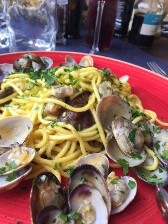 Osteria Santo Spirito: Pasta with Clams (vongole)