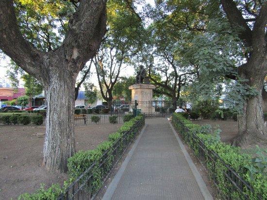 Plaza Esteban Adrogue