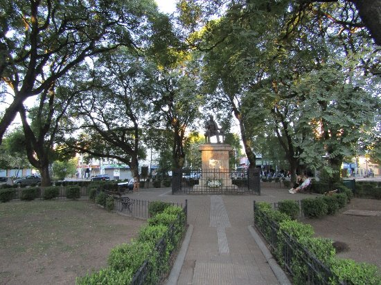 Plaza Esteban Adrogué