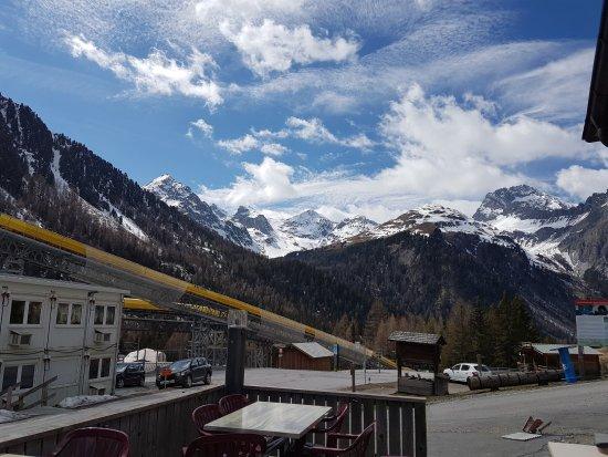 Preda, Schweiz: vue de la terrasse