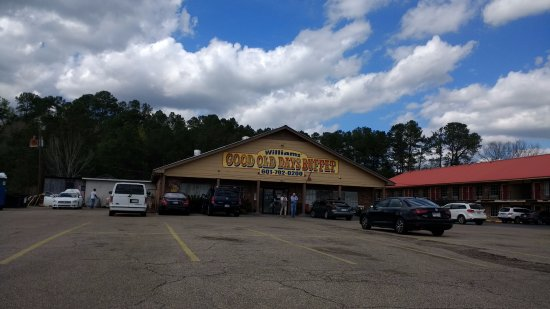 Prentiss, MS: This place has a good southern style buffet every day