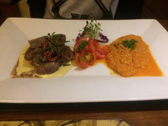 Zig Zag Restaurant: photo1.jpg
