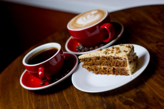 Resultado de imagen para pastel y cafe