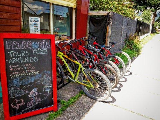 Puerto Aisen, Cile: En esta foto se muestran las bicicletas con las que contamos como empresa.
