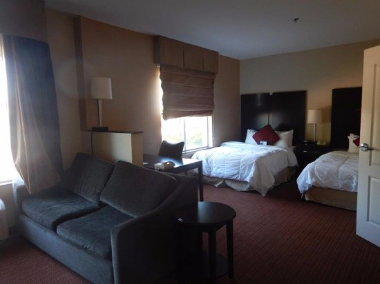 Euless, TX: room