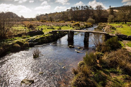 Postbridge, UK: The clapper bridge behind the pub.