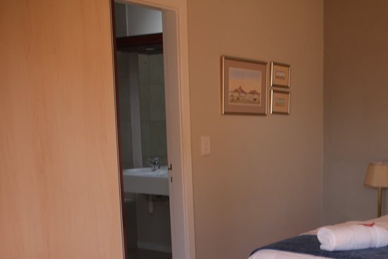 Cornerstone Guesthouse: Bedroom